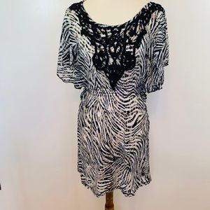 ⬇️Windsor Women's Sheer Lace Dress/Tunic/Cover Up